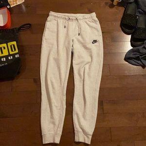 Nike Sportswear Women's Essential Fleece Pants